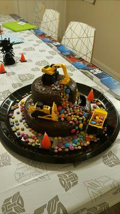 Construction Cake / Bagger Kuchen 2/3 Mehr