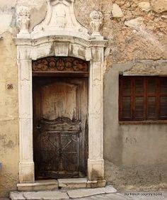 The Feng Shui of a front door - what color is best for your door