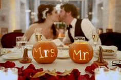 If you have been dreaming of a Halloween themed wedding for as long as you can remember you are not alone. We have gathered ideas for Halloween weddings! Wedding Themes, Wedding Tips, Wedding Colors, Wedding Planning, Wedding Day, Wedding Ceremony, 2017 Wedding, Wedding Dresses, Wedding Venues