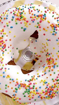 Fantasy Cake - All Kinds Of Cakes - Lebensmittel Food Cakes, Cupcake Cakes, Cupcakes, Fun Desserts, Delicious Desserts, Yummy Food, Baking Recipes, Cake Recipes, Dessert Recipes