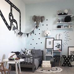 Wow 🙌 Flott barnerom! Vi har blant annet Lego oppbevaring i nettbutikken Hos Ted & Lilly! Se vårt utvalg 👇 🎅️️️www.hostedoglilly.no🎅 Credit 📷: @cathrinedoreen 💕 #cool #boysroom #gutterom #girlsroom #jenterom #interiør #inspo #barnerom #barneinteriør #barneinspo #barneromsinteriør #gravid #nyfødt #newborn #babyroom #barsel #mammaperm #mammalivet #småbarnsliv #interior #kidsinspo #kidsinterior #kidsdecor #nursery #nurserydecor #barnrum #barnrumsinspo #børneværelse