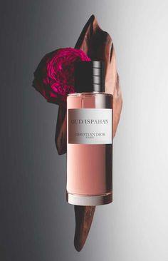 Packshot Dior - Oud Ispahan Photographe - Guido Mocafico Styliste florale - Amy Humphreys