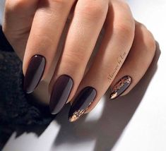 Long Nails Art Design Ideas in Fall & Winter Nagellack Ideen Chic Gold Nail Design Ideas Maroon Nail Designs, Gold Nail Designs, Maroon Nails, Burgundy Nails, Dark Purple Nails, Purple Gold, Manicure Nail Designs, Nail Manicure, Nails Design