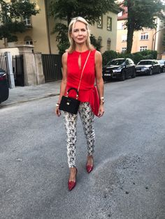 Moda over 40 e over alcune regole da sfatare – no time for style Source by AWellStyledLife fashion over 50 50 Fashion, Fall Fashion Trends, Fashion Over 40, Autumn Fashion, Fashion Outfits, Fashion Stores, Fashion 2018, Casual Outfits, Plus Size Fashion For Women