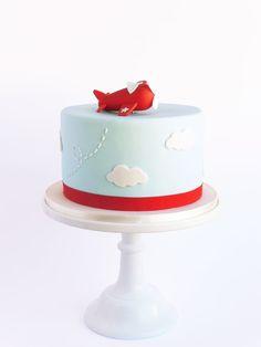 Peaceofcake ♥ Sweet Design: Airplane Cake And Cookies Pretty Cakes, Cute Cakes, Beautiful Cakes, Baby Cakes, Peace Of Cake, Fondant Cakes, Cupcake Cakes, Planes Cake, Planes Birthday