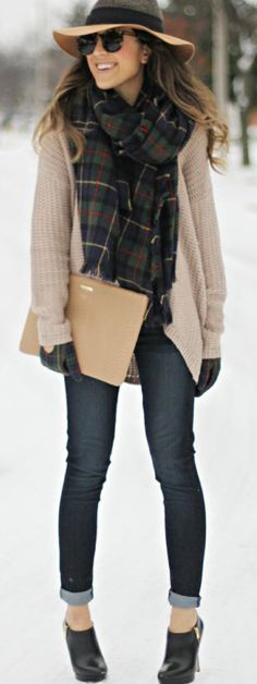 Tan Knit Oversized Cardigan + Green Flannel Scarf + GiGi clutch +Skinny Jeans + Ankle Boots, Boho hat = AWESOMENESS