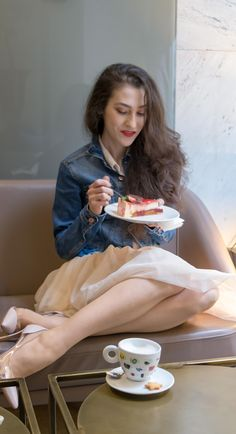 "Fashion Blogger Veronika Lipar of Brunette from Wall Street sharing what Sex and the City squad would wear for a coffee date in 2018 #fashion #blogpost #date #coffeetime #ITpieces #ITshoes #fashiontrend #coffeedate #outfits #tulle #tulleskirt #elegant #dateoutfit #miniskirt #skirt #skirts #plexishoes #pumps #pumpshoes #chic #ss2018 #fashiontrends #denim #denimjacket #coffee #casual #sexandthecity #GianvitoRossi #heels #girlsquad #squadgoals"" width="