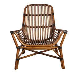 Colony Loungestol - Lounge stol i flettet rattan. Materialet giver hvilket som helst rum i dit hus en naturlig og hyggelig udstråling. Siddehøjden er 35 cm foran og 29 cm bagerst.