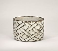 GERTRUD VASEGAARDWhite bowl with basketwork in brown, c. 1978, stoneware, 11.6 x 18 cm - GV015