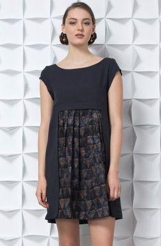 JENNIFER GLASGOW ROBE SAIWA CHARCOAL/BATIK Glasgow, Shirt Dress, T Shirt, Charcoal, Dresses, Fashion, Dress Shirt, Dress, Supreme T Shirt