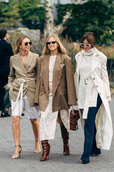 New York Fashion Week Delivered All the Street Style You've Been Waiting For - Daily Fashion Street Look, Best Street Style, Looks Street Style, Spring Street Style, Cool Street Fashion, Street Chic, New York Fashion, Fashion Week, Look Fashion
