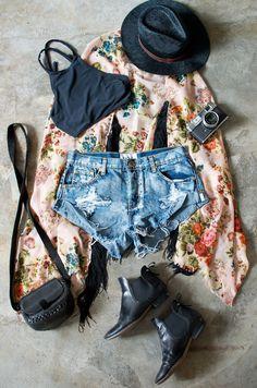 Festival outfit www.apairandasparediy.com