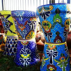 Incredible Talavera Pottery Largest online selection of Talavera… Mexican Garden, Mexican Folk Art, Mexican Style, Spanish Garden, Painted Flower Pots, Painted Pots, Talavera Pottery, Ceramic Pottery, Ceramic Painting
