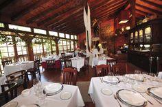 Restaurante ubicado en un entorno natural mágico e inmejorable, junto al nacimiento del Río Ebro, en el núcleo de Fontibre.