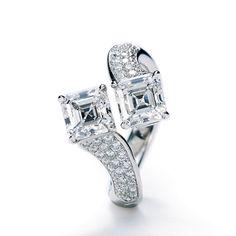Such a fun twist with these square diamonds! Asscher-Cut Diamonds w/ Pave in Platinum by Daniel K, #RHR1806