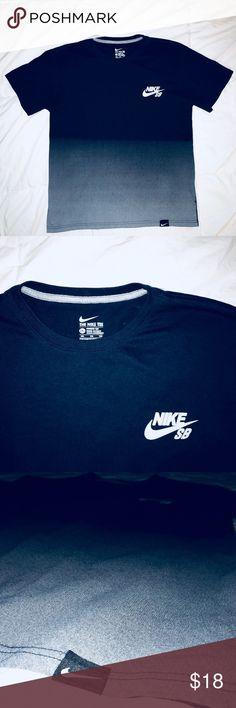 182f0f12 Nike SB Tee Nike SB Logo Tee Size: Kids 2x or Men's Medium Color: