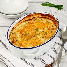 Découvrez la recette du gratin de pommes de terre aux poireaux, à réaliser avec le robot Cooking Chef expérience de Kenwood. Un plat d'accompagnement crémeux et plein de saveur. Une fois le gratin cuit et refroidi, vous pouvez le découper en portions et les congeler, vous vous en remercierez plus tard ! #kenwood #kenwoodfrance #recette #cookingchefexperience #cookingchef #gratin #gratindepommesdeterre #patates #poireaux #recettefacile #recettesimple #gourmand #faitmaison #platgourmand…
