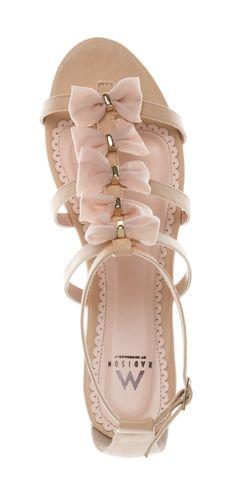 Blush bow sandals - comfortable but cute. Dream Shoes, Crazy Shoes, Fashion Mode, Fashion Shoes, Ballerinas, Cute Shoes, Me Too Shoes, Bow Sandals, Bow Flats