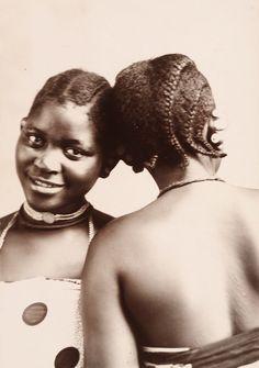 Portraits and postcards Swahili Coast