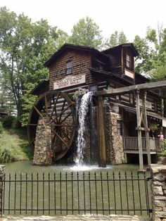 The old Grist Mill at Dollywood Country Barns, Old Barns, Old Grist Mill, Water Powers, Water Mill, Le Moulin, Covered Bridges, Old Buildings, Cades Cove