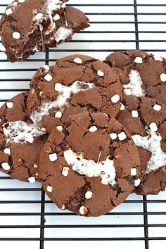 Hot Cocoa Cookies - The Baker Mama on We Heart It
