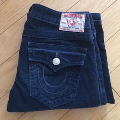True Religion Billy Navy Cords Only worn a few times. Size 27 waist. 33 inch inseam. Straight leg style. Dark blue. Perfect fall/winter pants. No trades. True Religion Jeans Straight Leg
