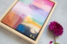 Schilderij kunst in huis | Gezien bij vt wonen kleurvlakken 2020 woonkamer woonkamerinspiratie Abstract Art, Original Art, Kunst