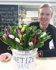 Наш администратор Александр от всей команды Netizen поздравляет всех девушек с 8 марта! Желаем вам любви, тепла☀️ и самых ярких путешествий!⛵️ #netizenhostel #8марта #поздравляем #отдуши #цветы #красота #уют #добропожаловать