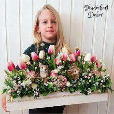 Beautiful Flower Arrangements, Beautiful Flowers, Wood Crafts, Bouquets, Centerpieces, Floral Wreath, Easter, Wreaths, Seasons