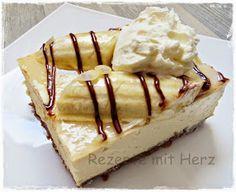 """Wenn Ihr den Eisbecher """"Banana-Split"""" gerne esst, werdet ihr auch diesen cremigen Kuche mögen.  Beachtet bitte, dass der Kuchen von der Meng..."""