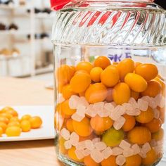 Cod back with candied lemon - Healthy Food Mom Kumquat Recipes, Fruit Recipes, Gourmet Recipes, Making Limoncello, Calories In Vegetables, Party Drinks Alcohol, Alcohol Recipes, Marinated Chicken, Skinny Kitchen