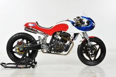 Honda Tiger 250 Cafe Racer by Lunatic Inc #motorcycles #caferacer #motos | caferacerpasion.com