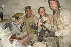Bell and Sgt. Justin Hoffman ham it up. Usmc, Marines, Operation Desert Shield, Shock And Awe, Iraq War, We Remember, Warfare, Sisters, Military
