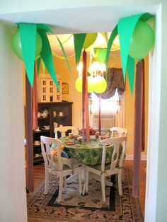 Setting for a Dinosaur theme party birthday-party-baby-shower-and-gift-ideas Trains Birthday Party, 3rd Birthday Parties, Birthday Fun, Birthday Ideas, Dinosaur Train Party, Dinosaur Birthday Party, Dino Train, Safari Party, Luau Party