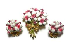 Bouquet brooch and earrings pink and white by maggiescornerstore