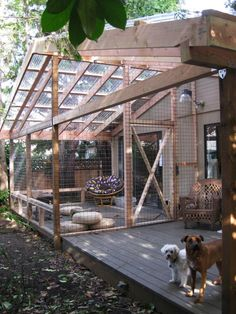Here's something to add to the list of awesome things you can build for your cat: a catio. It's a portmanteau of cat + patio, and it's an enclosed outdoor space that lets your cat enjoy the great outdoors, without the attendant risks. If you've got the DI Outdoor Cat Enclosure, Patio Enclosures, Cat Run, Outdoor Cats, Outdoor Rooms, Dog Pen Outdoor, Outdoor Living, Outdoor Kitchens, Cat Condo