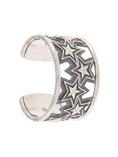 Cody Sanderson 스타 커프 브레이슬릿 Cody Sanderson, Silver Bracelets, Cuff Bracelets, Star Pendant, Silver Stars, Chain Pendants, Native American Jewelry, Bracelet Designs, Rings For Men