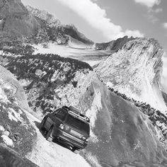 Range Rover Sport going for a stroll in the Alps.