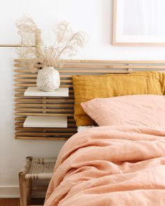pink + yellow bedroom design The post pink + yellow bedroom design appeared first on Dekor. Home Design Decor, Home Interior Design, House Design, Design Bedroom, Interior Plants, Design Blog, Design Trends, Decoration Bedroom, Wall Decor
