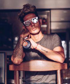 by Zehen Cute Boy Photo, Photo Poses For Boy, Picture Poses, Photo Pose Style, New Photo Style, Portrait Photography Men, Photography Poses For Men, Danish Men, Boys Long Hairstyles