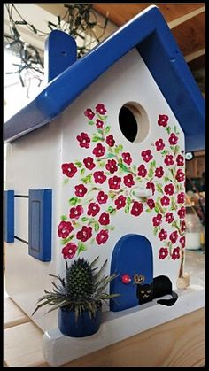 Cool Bird Houses, Decorative Bird Houses, Bird Houses Painted, House Painting, Painting On Wood, Woodworking Diy Gifts, Garden Crafts, Diy Crafts, Homemade Bird Houses