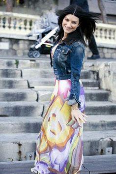 Laura Pausini ♥ Laura Paussini, Beautiful Italian Women, Singing Contest, Pop Singers, Her Music, Celebs, Celebrities, Record Producer, Woman Crush