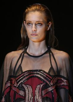 Nadja Bender en backstage du defile Gucci printemps-ete 2014 http://www.vogue.fr/beaute/en-coulisses/diaporama/en-backstage-du-defile-gucci-printemps-ete-2014/15283/image/838904#!nadja-bender-en-backstage-du-defile-gucci-printemps-ete-2014