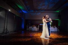 Prvy novomanzelsky tanec . . . #svadobnyfotografbratislava #nevesty #novomanzelia #svadobnyden #svadobnefotky #marosmarkovicphotography  #slovenskysvadobnyfotograf #novomanzelskytanec #svadobnahostina Studio, Concert, Studios, Concerts