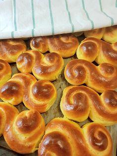 Greek Desserts, Greek Recipes, Beef Tenderloin, Dear Santa, Pretzel Bites, Doughnut, Sausage, Food And Drink, Cookies