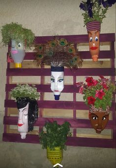 Plastic Bottle Planter, Plastic Bottle Crafts, Diy Bottle, Recycle Plastic Bottles, Bottle Art, Diy Crafts Hacks, Decor Crafts, Diy And Crafts, Diy Garden Projects