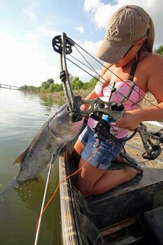 A look at some of the country's best bowfishing waters Hunting Girls, Bow Hunting, Common Carp, Archery Girl, Louisiana Bayou, Indiana Dunes, Realtree Camo, Bowfishing, Fishing Girls