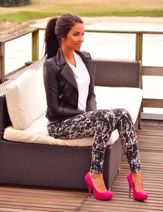 Printed black and white skinnies, white tee, black leather moto jacket, pony, pop of color pumps!