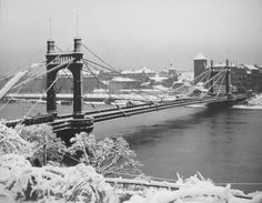 Výsledek obrázku pro jan lauschmann Old Paintings, Jaba, More Pictures, Tower Bridge, Czech Republic, Golden Gate Bridge, Vintage Images, Prague, Old Photos