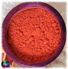 Le plaisir de la poudre de santal rouge dont la couleur habillera votre intérieur. Idéal pour les pots pourris, les savons, les sels de bains, les bougies, les créations artisanales, les orgonites ou encore vos offrandes rituelles.